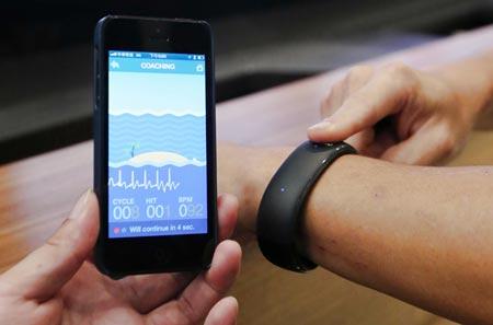smartwatch foxconn