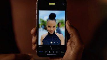 iPhone, nella nuova pubblicità la funzione Profondità di Campo elimina il potenziale rivale in amore